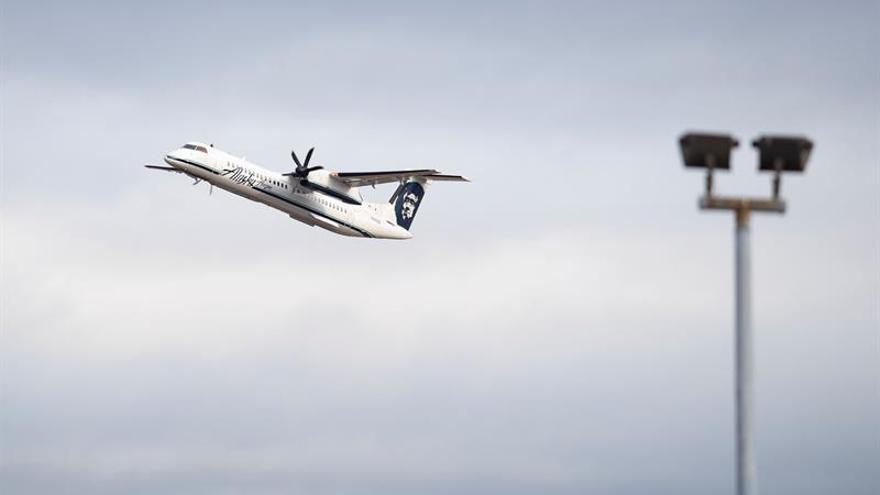 Un avión de la compañía Horizon Air despega del Aeropuerto Internacional Seattle-Tacoma.
