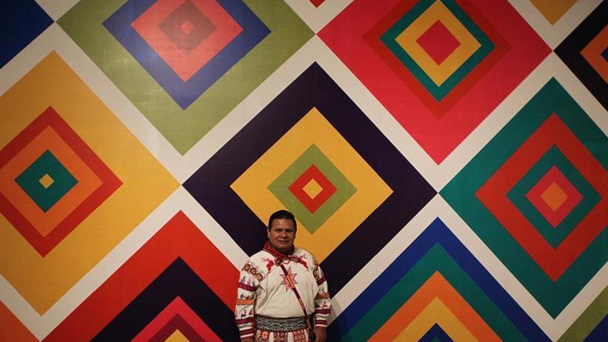 """Tapete abre """"Caminos de luz. Universos huicholes"""" en Museo de Antropología"""