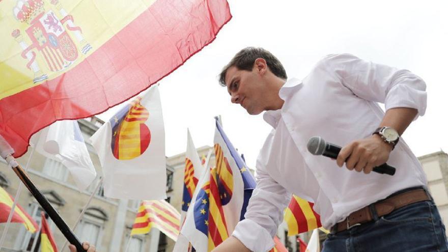 Albert Rivera en la concentración de España Ciudadana en Barcelona. TWITTER ESPAÑA CIUDADANA