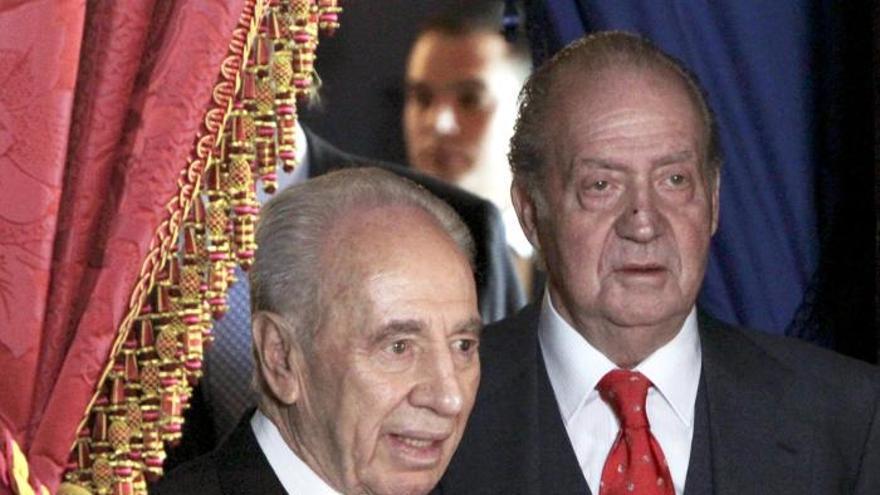 El Rey expresa a Peres su pesar por la muerte de Sharon