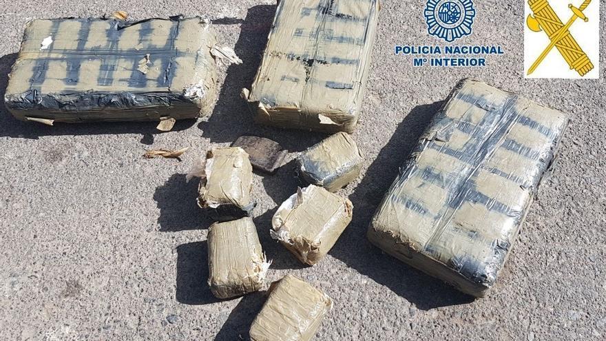 Parte de la droga encontrada en la playa de Anaga