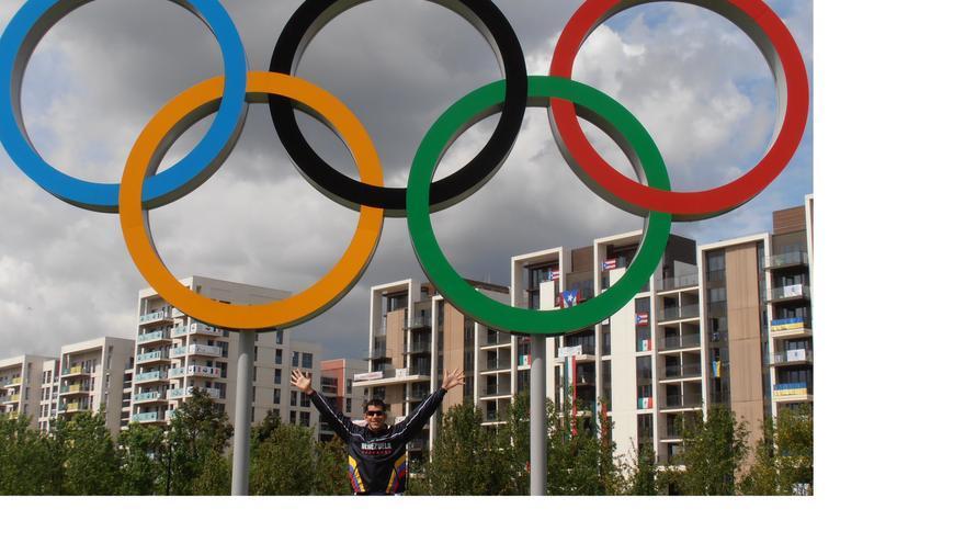 Crox Acuña ha representado a Venezuela en los Juegos Olímpicos de Beijing 2008 y Londres 2012.