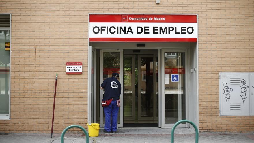 Tres millones de españoles se han descolgado de la clase media durante la crisis, según Fundación BBVA e Ivie