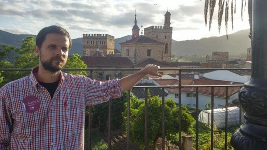 El candidato de Podemos, en un mitin en Guadalupe / Twitter @alvarojaen2015