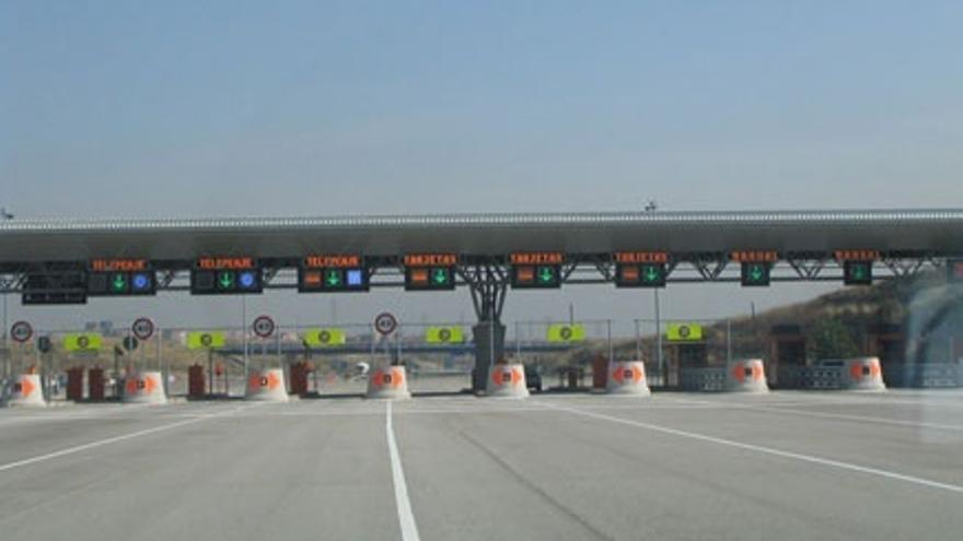 ACS y Sacyr, y Abertis y Bankia, se enfrentan por sus participaciones en dos autopistas radiales