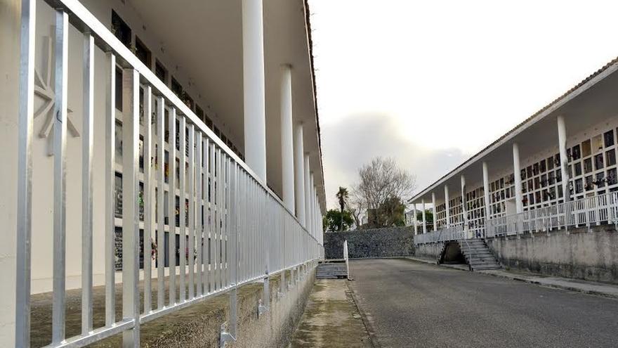 El Ayuntamiento destina 55.000 euros a renovar 800 metros de barandillas en Ciriego