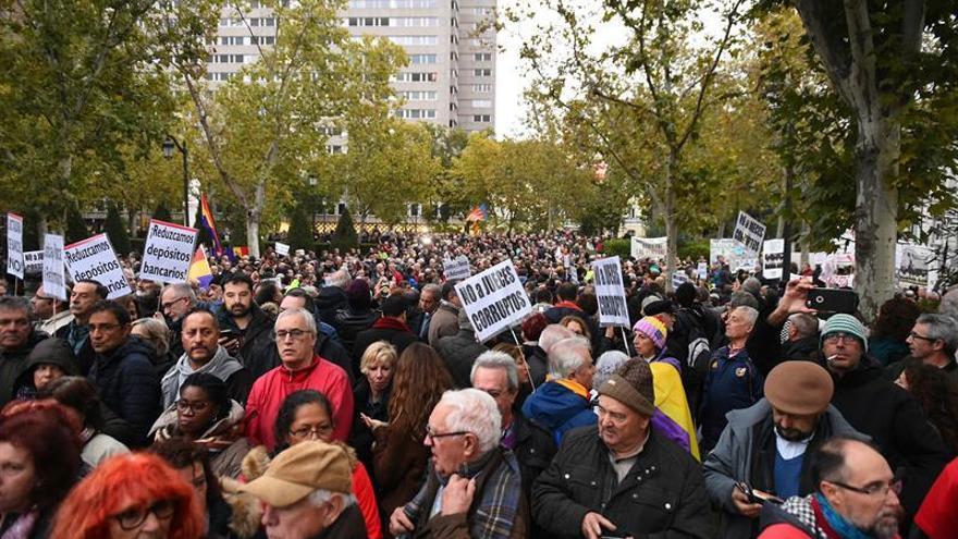 Una concentración protesta ante el Supremo contra el fallo sobre las hipotecas