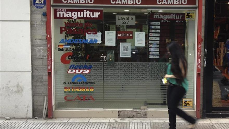 El Gobierno anunciará hoy fin de las restricciones al mercado cambiario en Argentina