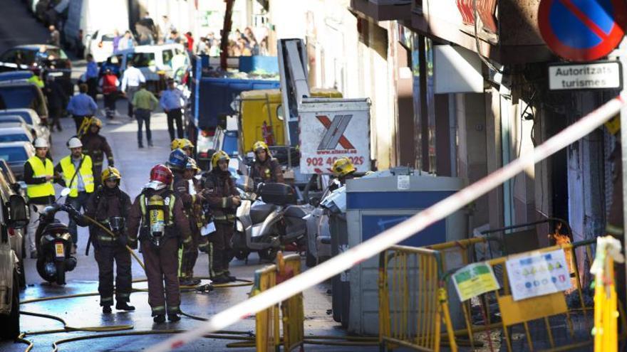 Un muerto y un herido grave en el incendio de una vivienda en Sabadell