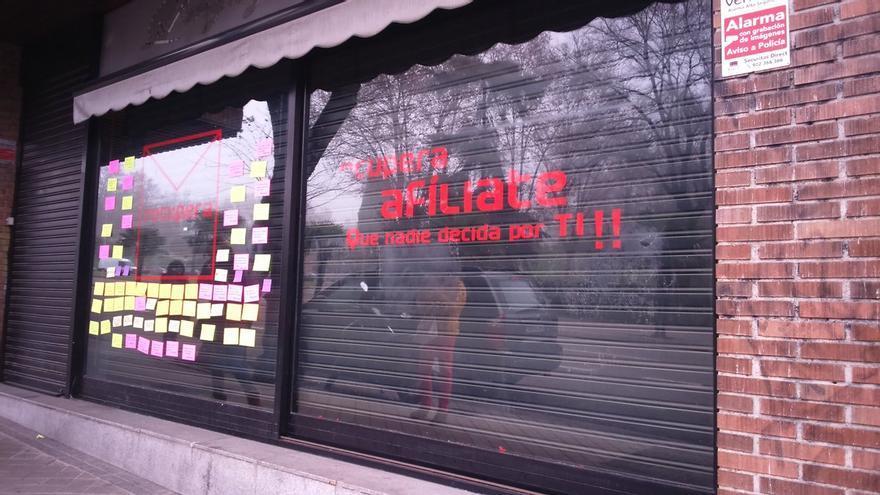 Las siglas del PSOE desaparecen de la sede alternativa del partido, también en la calle Ferraz.