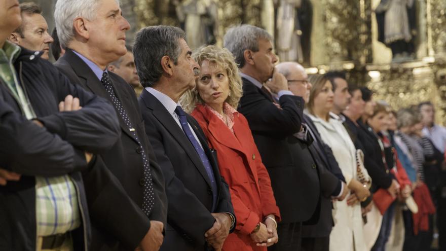 Revilla y Díaz Tezanos en el transcurso de la celebración de la Bien Aparecida.   Raúl Lucio