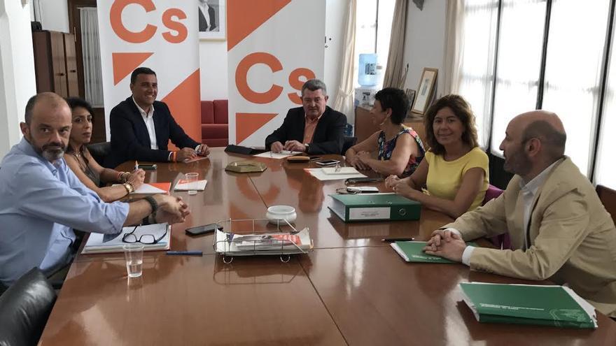 Grupo de trabajo para la reforma fiscal en Andalucía entre el PSOE y C's.