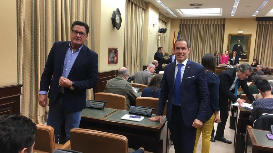 El diputado nacional Ernesto Aguiar, y el senador por La Palma, Mariano Hernández Zapata.