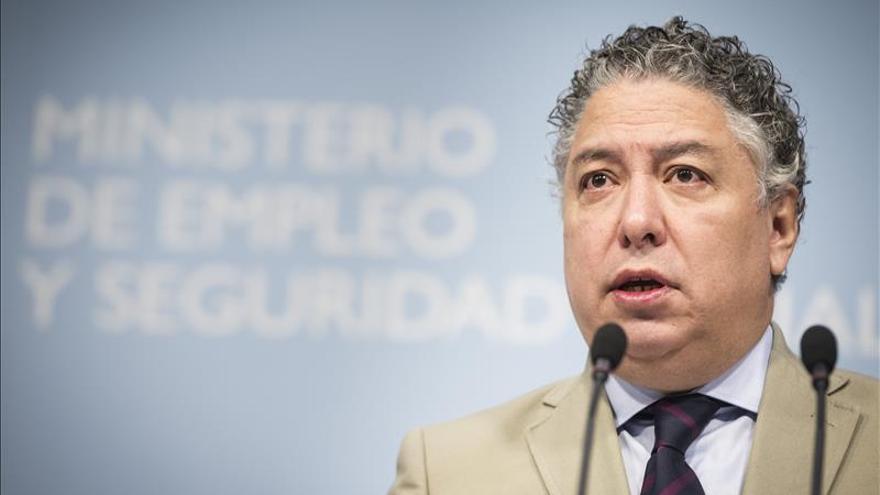 Burgos rechaza impuestos para pagar la pensión y subir la cotización a los autónomos