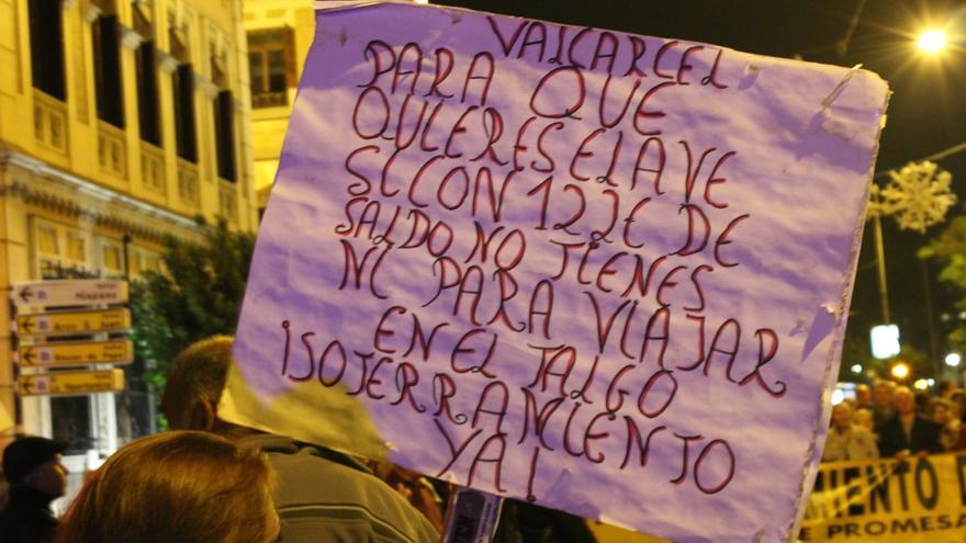 Una de las pancartas en la manifestación de la Plataforma Pro Soterramiento / PSS