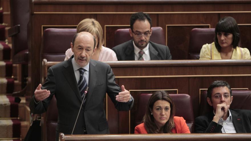 Rubalcaba avisa al Gobierno que la solidaridad es más barata que la pobreza y pide corregir medidas antisociales