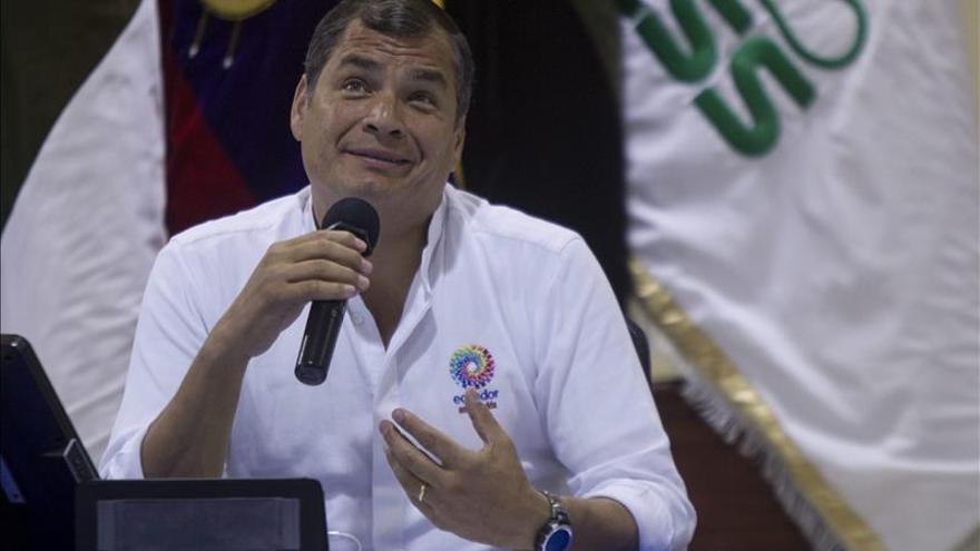 Correa defiende extraer petroleo en la Amazonía y dice que la afectación será mínima