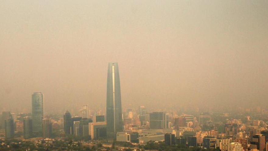 Más de treinta incendios forestales en Chile, catorce de ellos bajo control