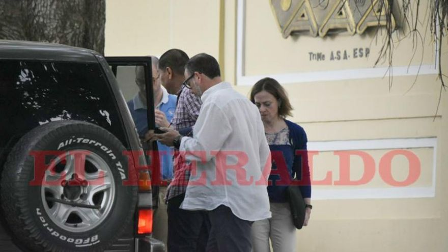 La fiscal Ana Cuenca y otros miembros de la comisión judicial que ha viajado a Colombia