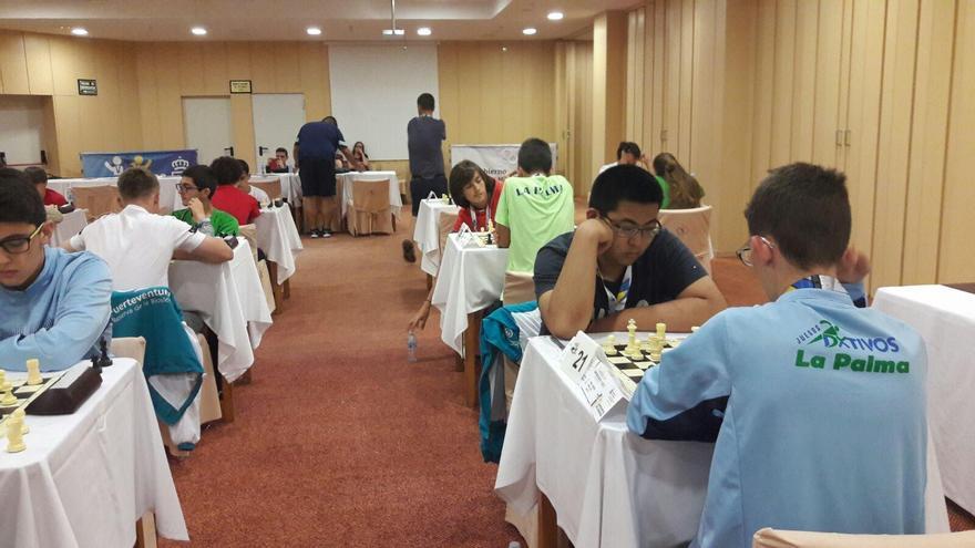 Prueba de ajedrez de los Campeonatos Canarias en Edad Escolar.