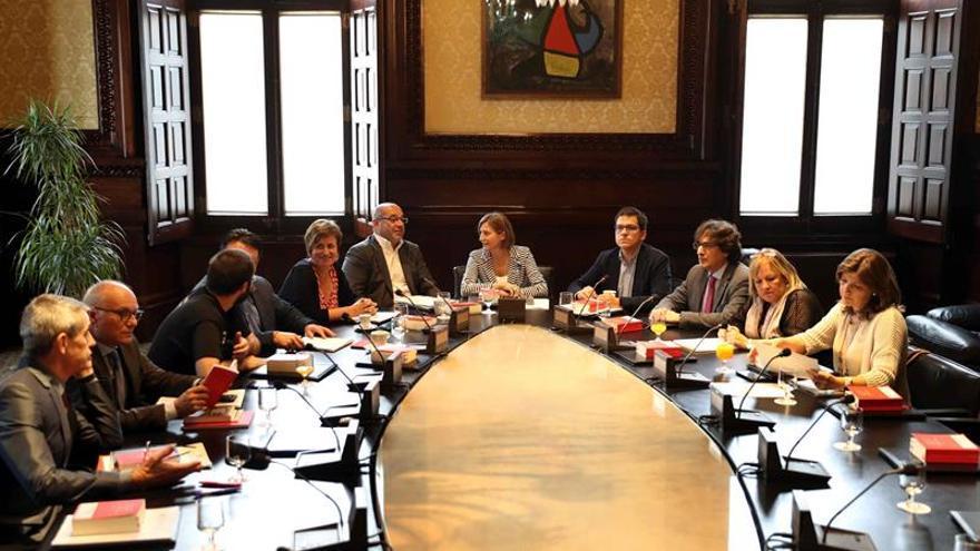 JxSí propone un pleno el lunes para que Puigdemont explique los efectos del 1-O