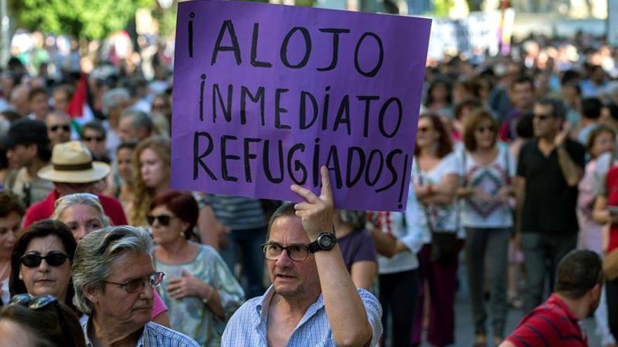 Los europeos acogen mejor al refugiado con formación y no musulmán, según un estudio