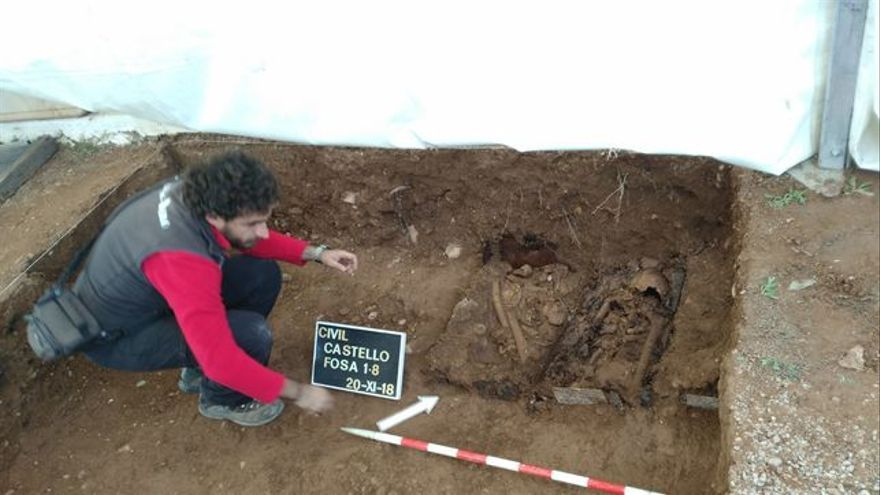 Trabajos en el cementerio de San José durante las primeres exhumaciones del mes de noviembre del pasado año.