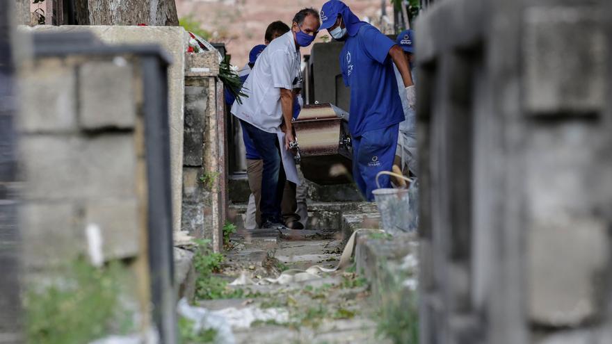 Brasil suma 43.836 nuevos casos y 2.081 muertes por covid en últimas 24 horas