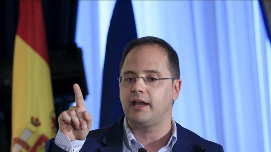 """Luena (PSOE) dice sobre pactos que les verán """"con todos menos con el PP"""""""