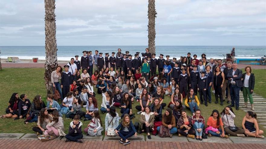 Los Niños Cantores de Viena y el Coro Infantil y Juvenil de la Orquesta Filarmónica de Gran Canaria. EFE/Ángel Medina G.