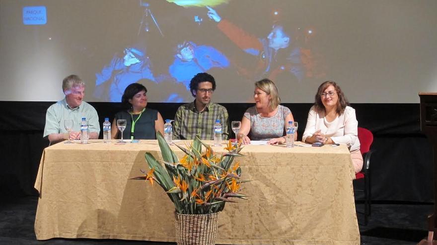 En la imagen, acto de inauguración de I Conferencia Internacional sobre Cielo Nocturno celebrado este martes en el Teatro Chico.