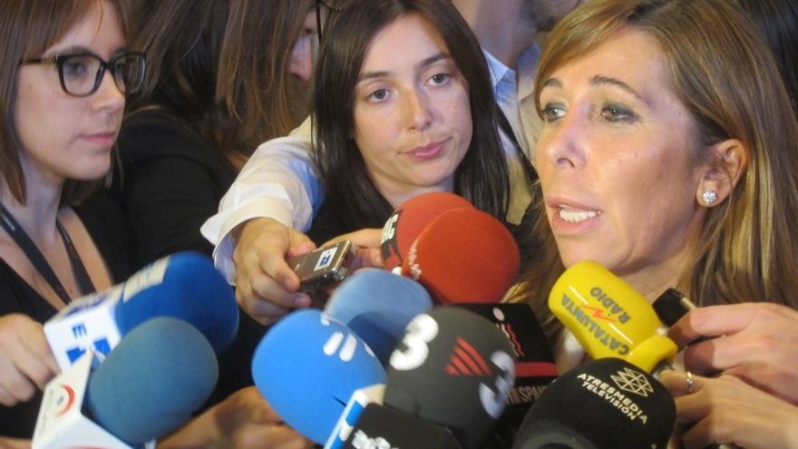 """Camacho destaca la """"firmeza"""" de Rajoy en la defensa de la unidad de España"""