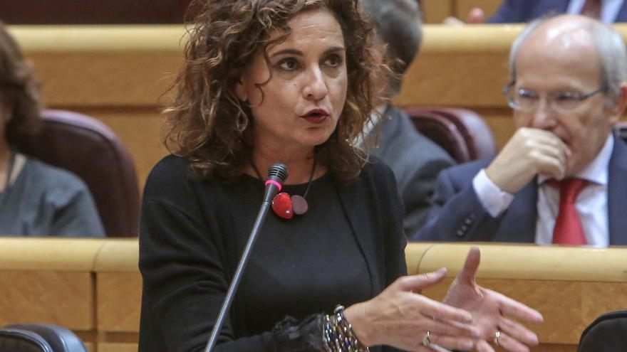 """Montero dice que la constitución del Parlamento andaluz """"es un día complicado para los demócratas"""" por la entrada de Vox"""