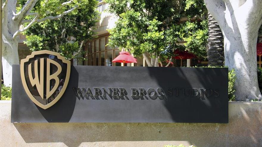 Los estudios Warner Bros rectificaron este martes su decisión de aplazar indefinidamente el lanzamiento de la cinta y optaron por mantener la fecha prevista del 15 de mayo.