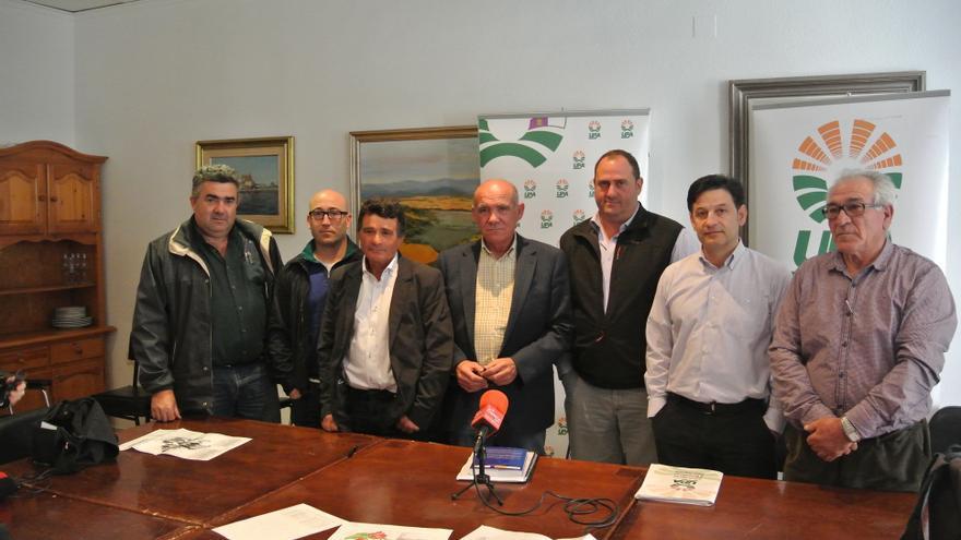 Miembros de UPA y de la Plataforma de Usuarios y Regantes de la cabecera del Segura