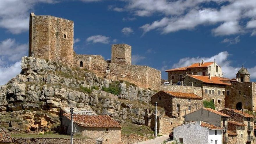 El municipio turolense de Puertomingalvo forma parte de Los Pueblos Más Bonitos de España.