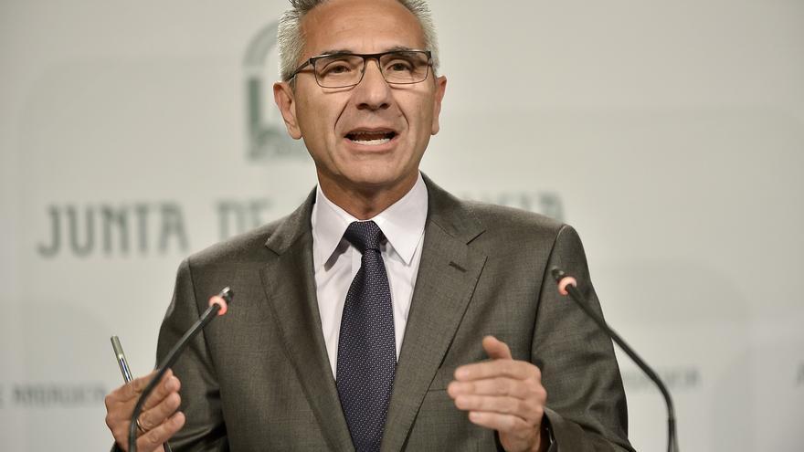"""La Junta garantiza que habrá oposiciones docentes en 2017 y pide al Gobierno que deje de """"meter miedo"""""""