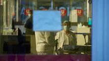 Uno de cada tres positivos por coronavirus en Navarra ya ha superado la enfermedad