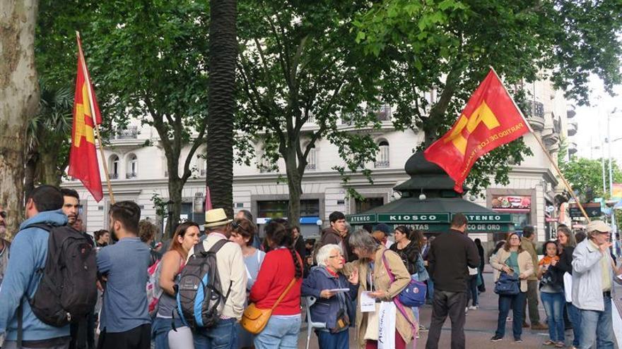 Manifestantes contra la Cumbre del G20 provocan disturbios en Montevideo