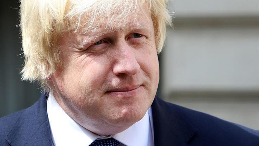 """Boris Johnson dice estar """"conmocionado"""" y """"entristecido"""" por el atentado en Niza"""