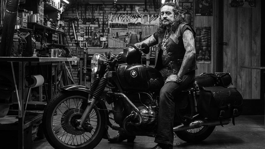 Una de las fotografías pertenecientes a la colección 'Gas and Rock'. Las motos desempeñan un papel principal en la obra de Rocío López.