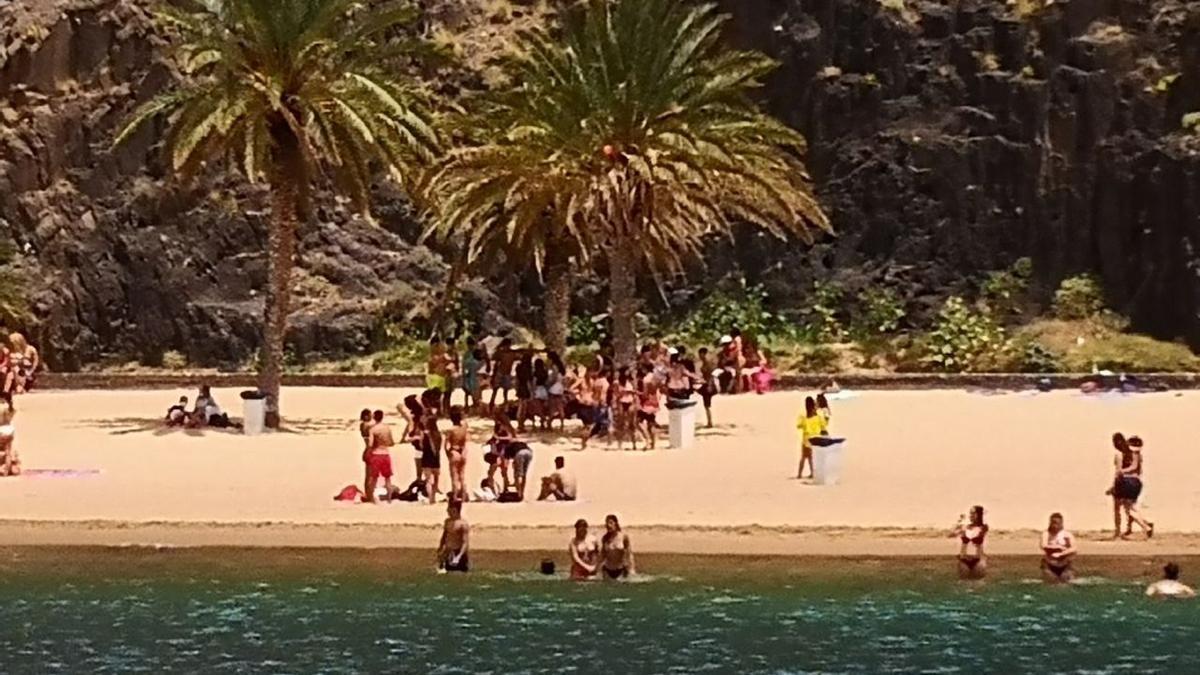 Playa de Las Teresitas, este sábado.