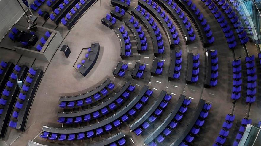 Diputados del nuevo Bundestag perfilan su estrategia con el estreno de la ultraderecha