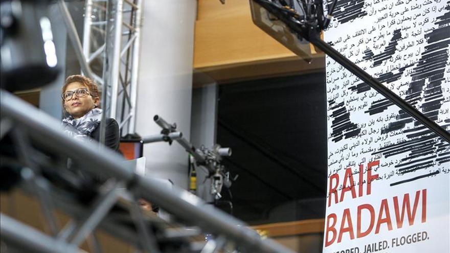 """Ensaf Haidar afirma que """"Raif (Badawi) es un espíritu libre y por eso fue condenado"""""""