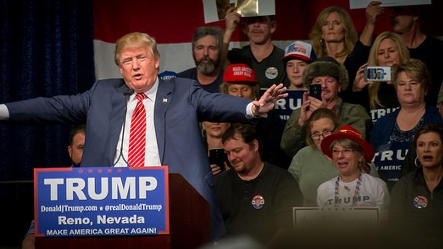 """La DISA no ha confirmado si Trump usa el Boeing Black, pero ha indicado que """"va con la oficina"""" del presidente"""