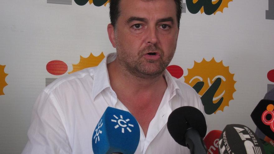 """Maíllo cree que """"la fuerza de la gravedad"""" empujará a Magdalena Álvarez a dimitir"""