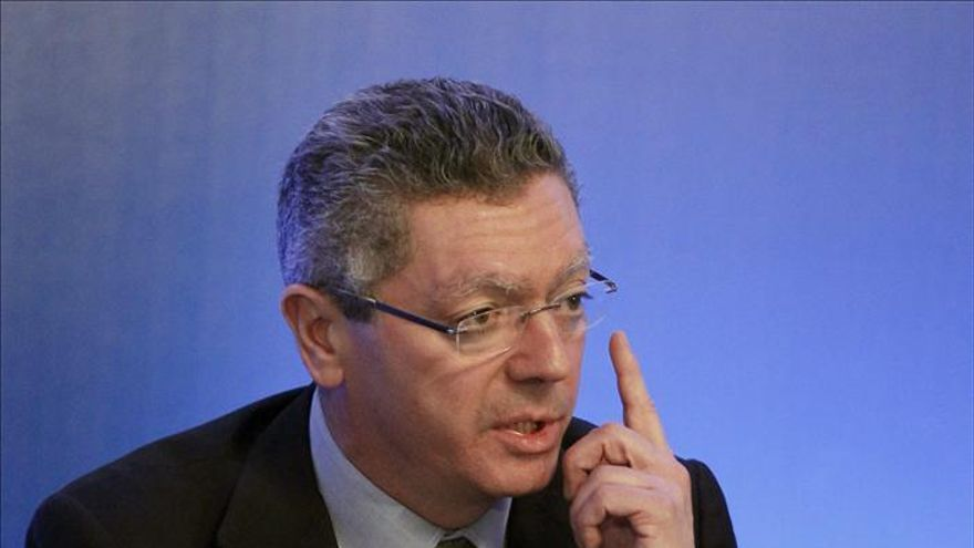 Gallardón dice que el Gobierno no tiene voluntad de mantener símbolos del franquismo