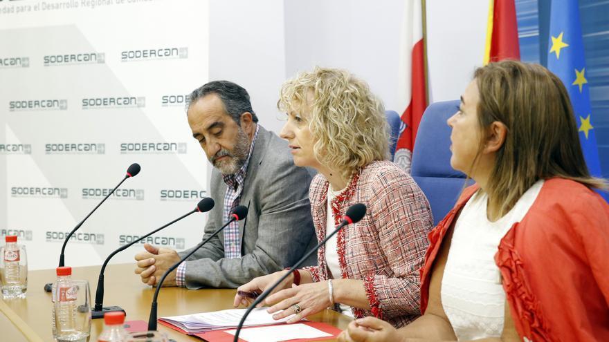 Salvador Blanco y Eva Díaz Tezanos durante una rueda de prensa. | LARA REVILLA