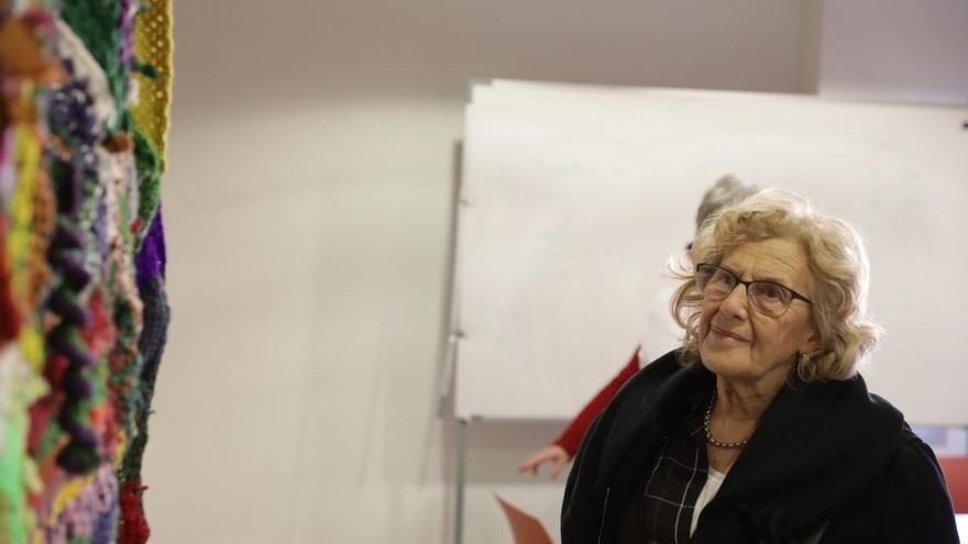 Manuela Carmena y Anna Freixas, en un encuentro estatal para visibilizar la problemática de la mujer mayor