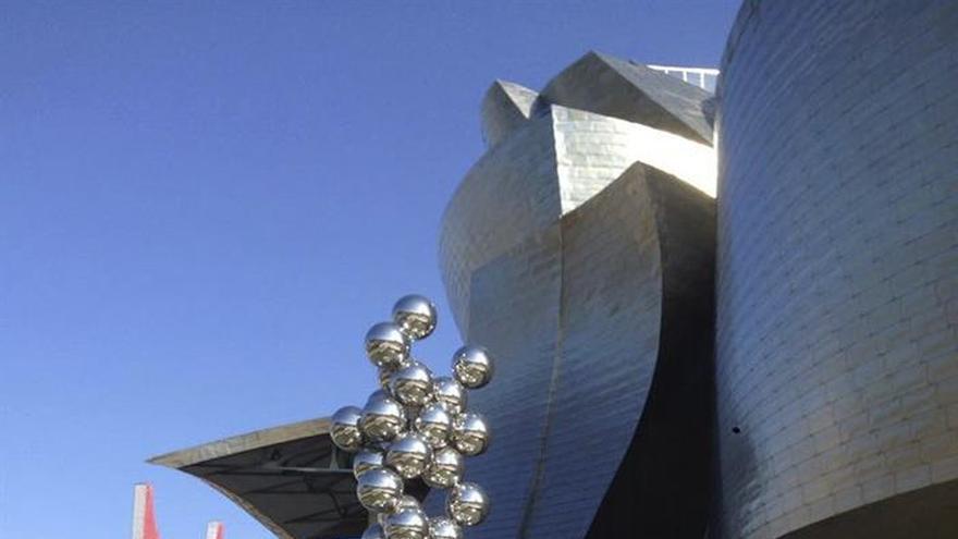 La actriz Eva Longoria visita el museo Guggenheim Bilbao